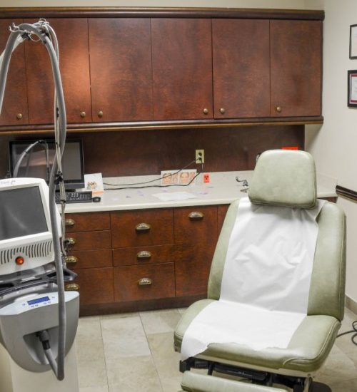 Patient treatment room at Dr Longwill's office