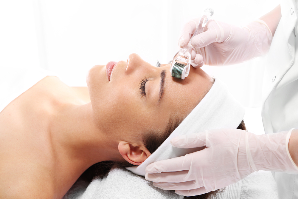 model getting microneedling