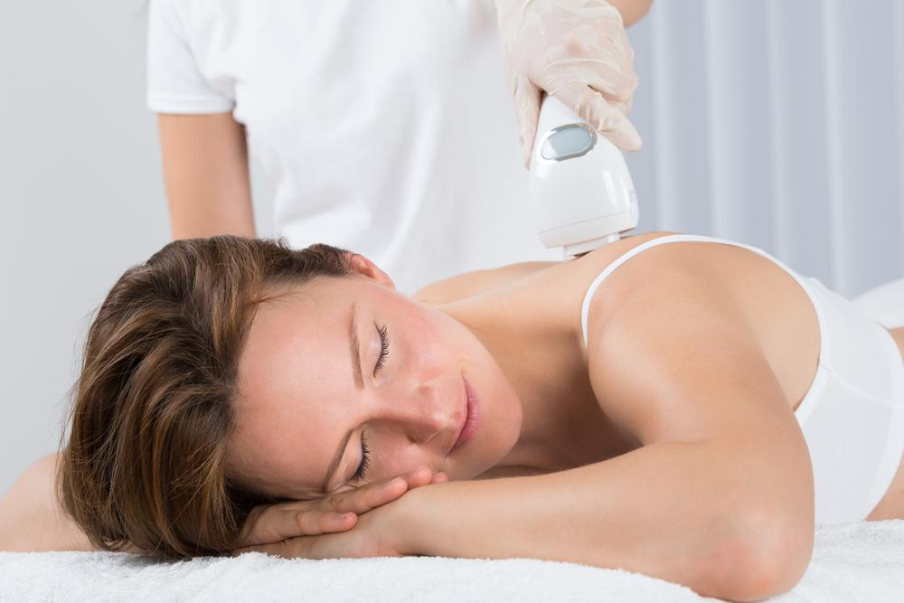 model getting an Affordable Back Facial in Pinecrest