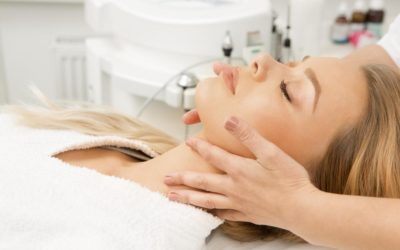 Patient getting Double Chin Reduction Treatment
