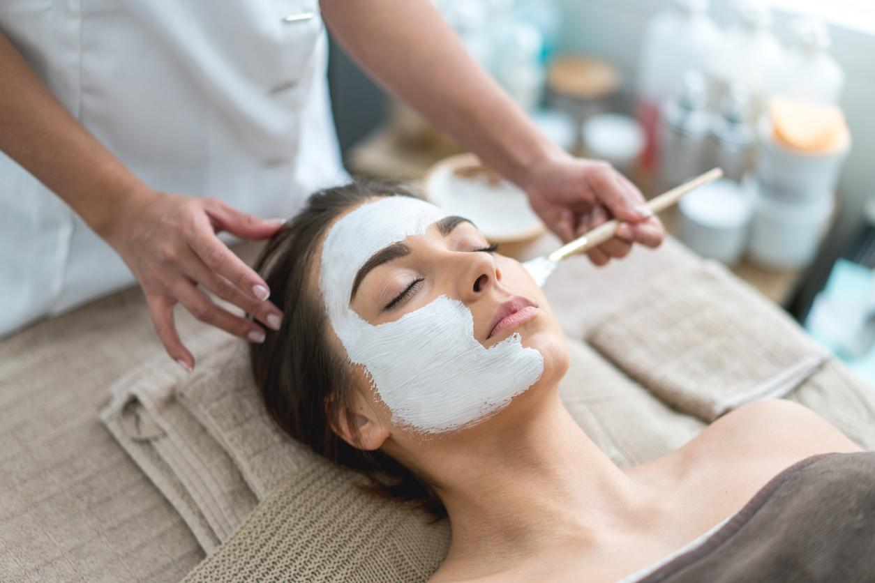 Patient getting a Deep Cleaning Acne Facial