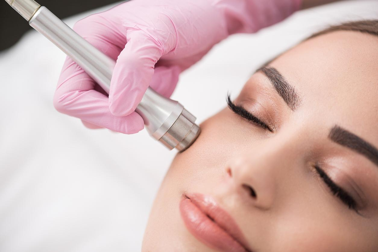 model getting a Microdermabrasion Treatment