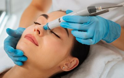 woman getting a Hydrafacial