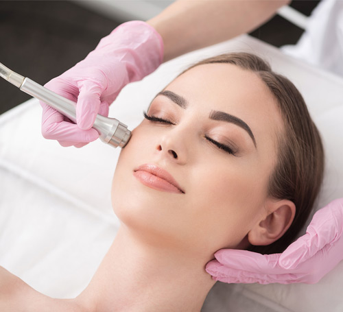 patient getting Microdermabrasion